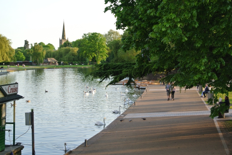 Stratford Upon Avon Riverside from Study Work Travel Blog